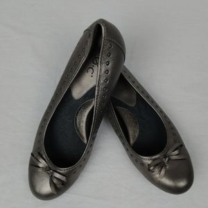 b.o.c. Born Concepts Pewter Flats Shoes 7.5 NEW